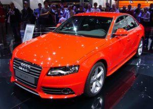 800px-Audi_A4_(front_quarter)