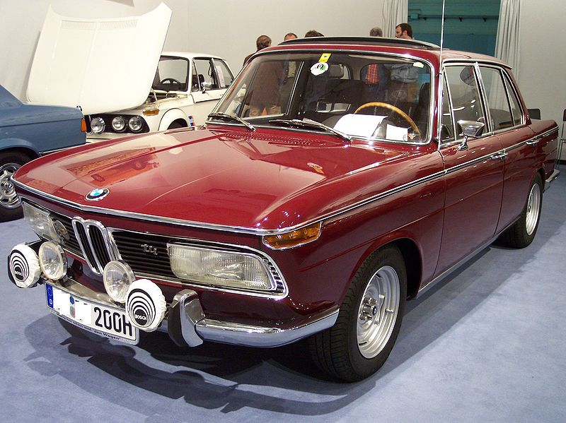 alfa-BMW_2000_tii_red_vl_TCE
