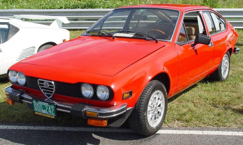alfa-Romeo-Alfetta-GTV-red-fa-lr