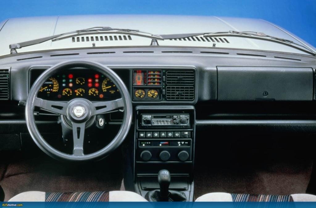 auto-Lancia-Delta-Integrale-07