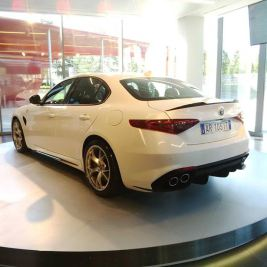 Alfa-Romeo-Giulia-qred
