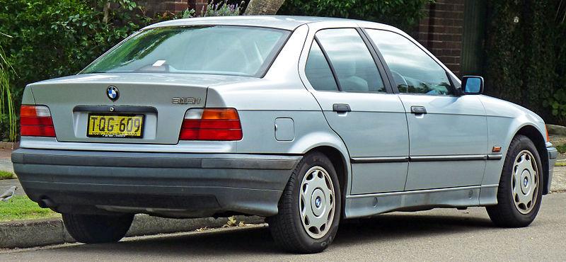 alfa-1991-1996_BMW_318i_(E36)_sedan_(2011-04-02)_02