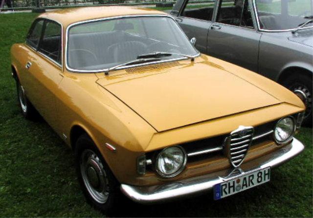 alfa-Alfa-Romeo_GT_1300_Junior_01