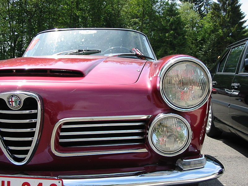 alfa-Alfa_Romeo_2600_Spider_front2