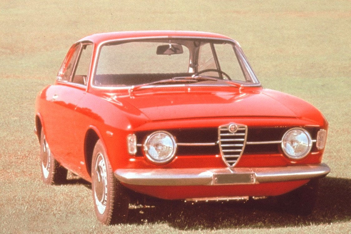 alfa-Alfa_Romeo_GT_1300_Junior_1966_WP