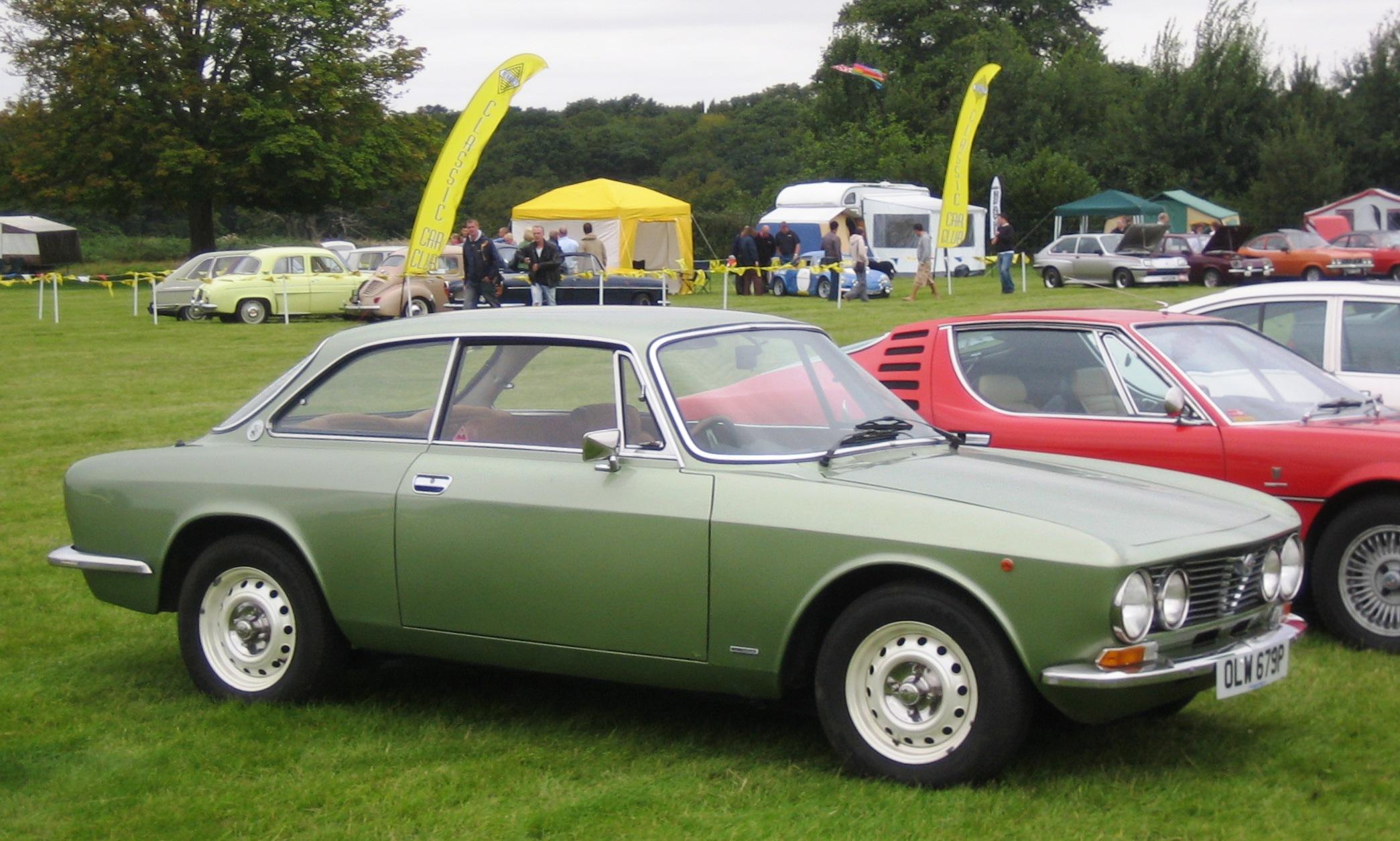 alfa-Alfa_Romeo_Giulia_Sprint_1600_ca_1975