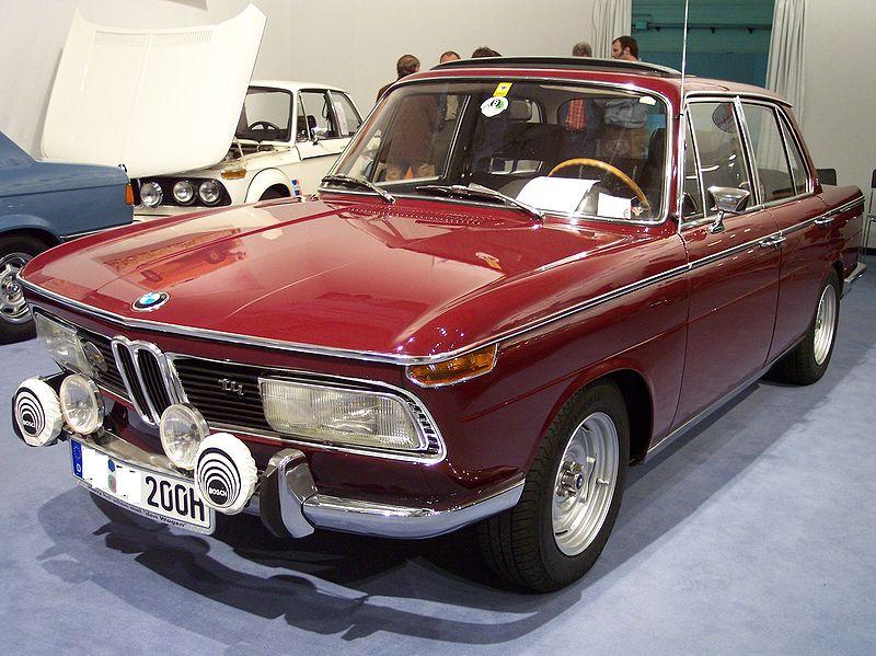 alfa-BMW_2000_tii_red_vl_TCE